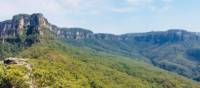Ruined Castle offers 360 degree views of spectacular World Heritage listed wilderness | Tanya Chivers - Bad Ninja Photographer