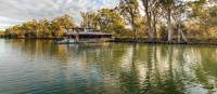 Relaxing boat cruises along the Murray River Walk