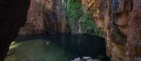 Explore Emma Gorge's towering sandstone escarpments | Tourism Western Australia