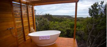 Bay of Fires Lodge Walk accommodation | Great Walks of Australia